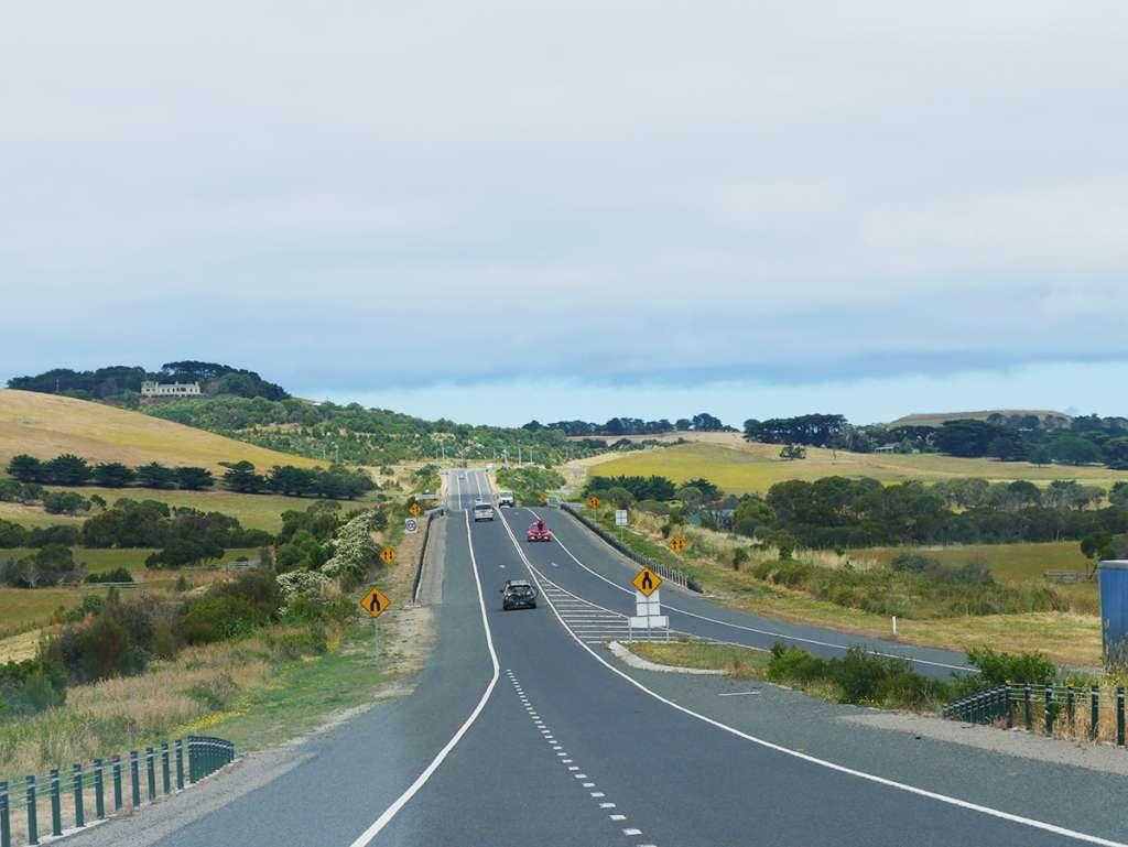 Road to Phillip Island